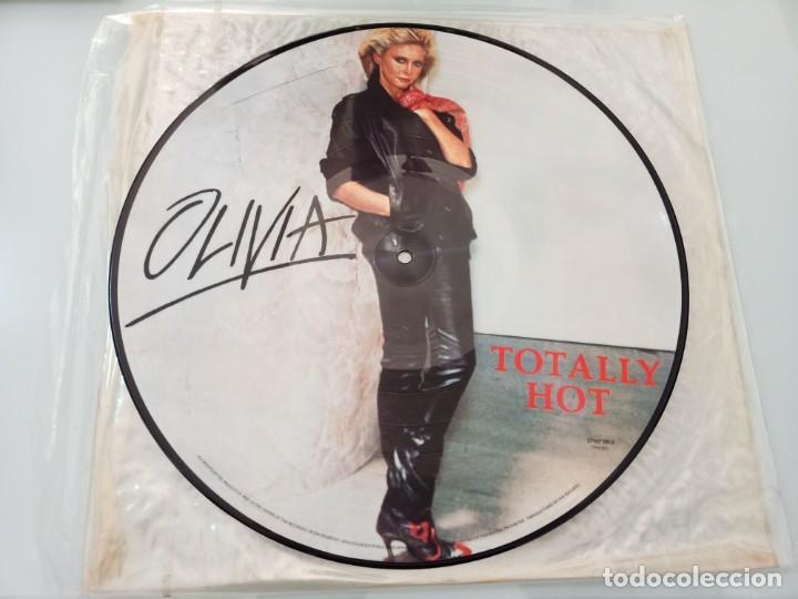 Discos de vinilo: OLIVIA NEWTON JOHN - TOTALLY HOT ..LP VINILO - PICTURE DISC - RARO DE VER - Y DIFICIL - COLECCION - Foto 2 - 257905235