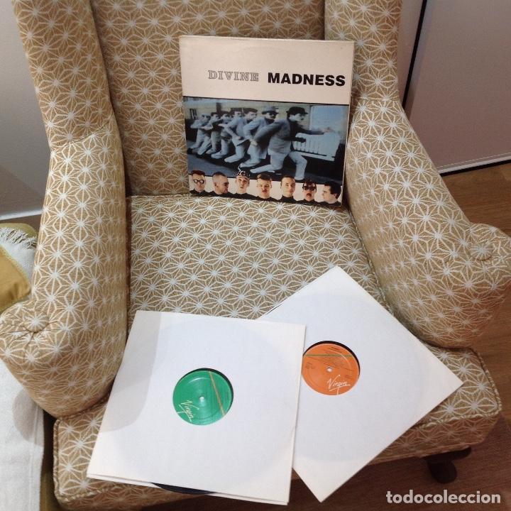 Discos de vinilo: MADNESS / DIVINE MADNESS / GATEFOLD / DOBLE ALBUM / VIRGIN 1992 EDICION ESPAÑOLA - Foto 2 - 257928890