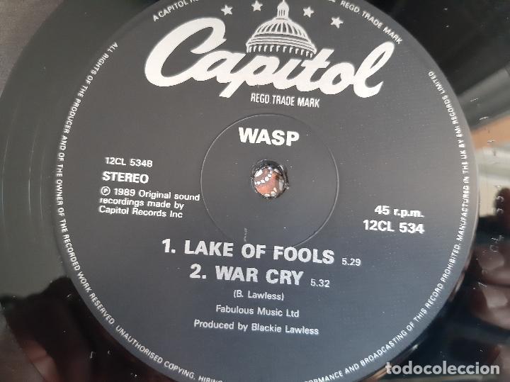 Discos de vinilo: W.A.S.P. -THE REAL ME- (1989) MAXI-SINGLE FIRMADO - Foto 2 - 258044690