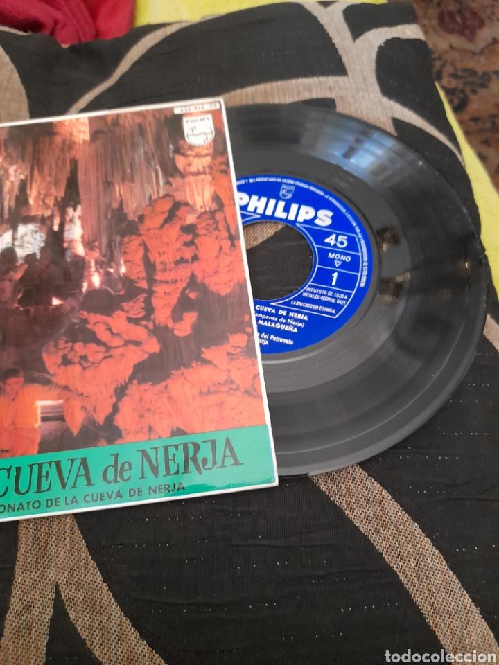 Discos de vinilo: Campanas de la Cueva de Nejar Rocío Durante y Arturo Pavon - Foto 3 - 258961215