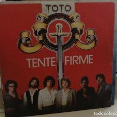 Discos de vinilo: TOTO- TENTE FIRME/RETRAYENDOME- CBS 1978 SINGLE. Lote 259007905
