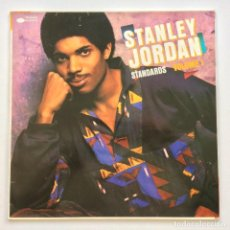 Discos de vinilo: STANLEY JORDAN – STANDARDS VOLUME 1 SPAIN,1986 BLUE NOTE. Lote 258814350