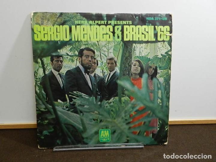 DISCO VINILO LP. HERB ALPERT PRESENTS SERGIO MENDES & BRASIL '66. 33 RPM. (Música - Discos - LP Vinilo - Grupos y Solistas de latinoamérica)