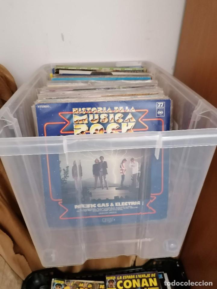 GRAN CAJA DE DISCOS LOTE DE 105 DISCOS VARIOS ESTILOS TODOS LP (Música - Discos - LP Vinilo - Otros estilos)
