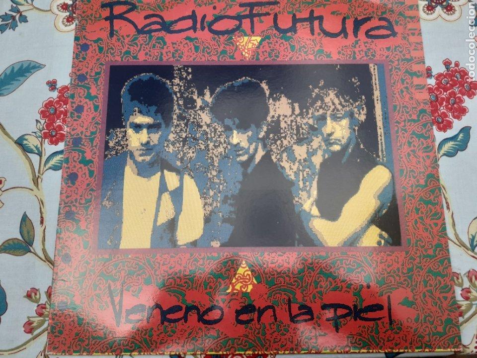 LP DE RADIO FUTURA VENENO EN LA PIEL (Música - Discos - LP Vinilo - Grupos Españoles de los 90 a la actualidad)