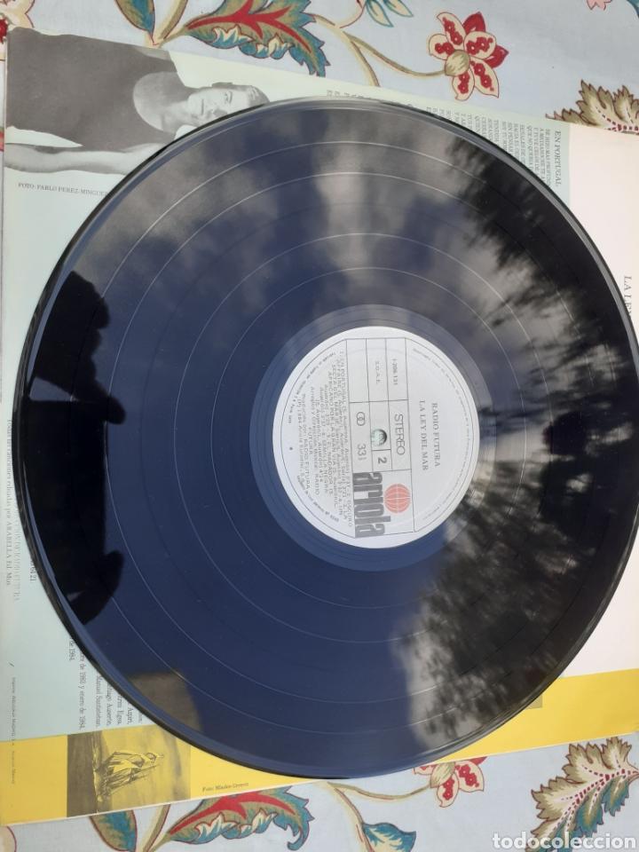 Discos de vinilo: Lp de radio futura la ley del mar - Foto 3 - 261244815