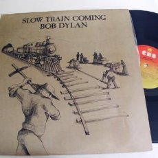Discos de vinilo: BOB DYLAN-LP SLOW TRAIN COMING-LETRAS. Lote 261302875