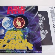 Discos de vinilo: PUBLIC ENEMY-LP FEAR OF A BLACK PLANET-ENCARTE LETRAS-BUEN ESTADO. Lote 261539765