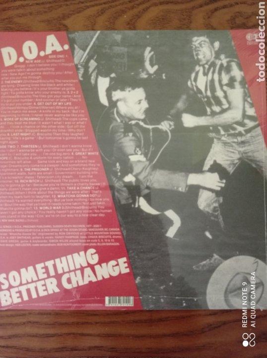 Discos de vinilo: D.O.A. SOMETHING BETTER CHANGE. NUEVO. - Foto 2 - 261580315