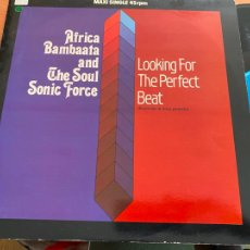 Discos de vinilo: AFRICA BAMBAATAA (LOOKING FOR THE PERFECT BEAT) MAXI ESPAÑA 1983 (B-28). Lote 262248600