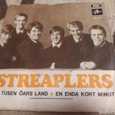 Discos de vinilo: STREAPLERS–DE TUSEN ÖARS LAND. SINGLE SUIZA 1969. Lote 262294385