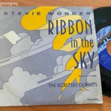 Discos de vinilo: STEVIE WONDER (RIBBON IN THE SKY) SINGLE ESPAÑA 1982 (EPI23). Lote 262347085