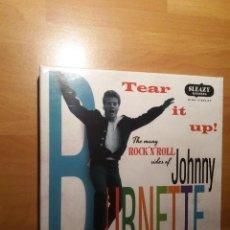 Discos de vinilo: JOHNNY BURNETTE , CAJA EP X6 + OBSEQUIO CAMISETA 80´S ROCKER. Lote 262352460