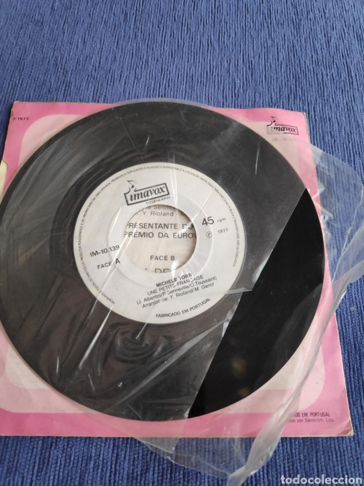 Discos de vinilo: Single vinilo Eurovision 1977 - Michele Torr - Une petite française - Edición Portugal - Foto 5 - 262561315
