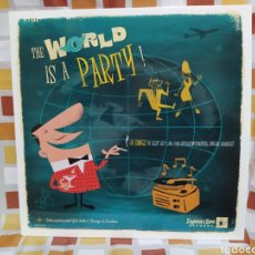 Discos de vinilo: THE WORLD IS A PARTY! 16 SONGS TO BEAT JET LAG. LP VINILO. EXOTIC LATIN LOUNGE. Lote 262638140