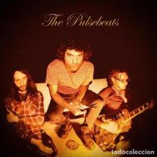 Discos de vinilo: THE PULSEBEATS - THE PULSEBEATS LP 2011 SU PRIMER TRABAJO - POWER POP PUNK ROCK. Lote 262662640