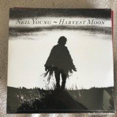 Discos de vinilo: NEIL YOUNG - HARVEST MOON (1992) - LP DOBLE REEDICIÓN REPRISE 2017 NUEVO. Lote 262701460