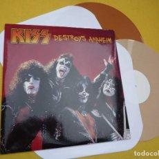 Discos de vinilo: 2 LP KISS – DESTROYS ANAHEIM - UK PRESS - COLOR VINYL - CALDERON CONCERT - NEW YORK (M/M/M). Lote 263057980