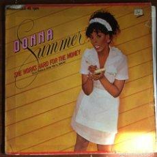 "Discos de vinilo: DONNA SUMMER ""SHE WORKS HARD FOR THE MONEY"" MAXI SINGLE. Lote 263067940"