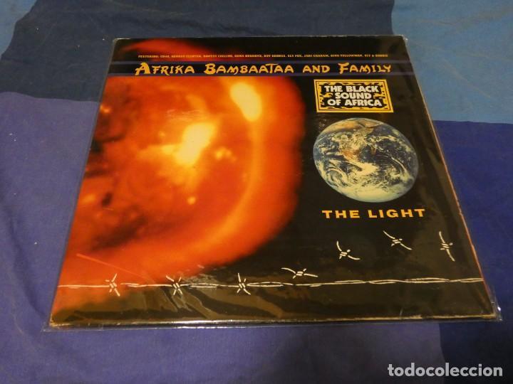 LP AFRIKA BAMBATAA AND FAMILY THE LIGHT 1988 BUEN ESTADO VINILO (Música - Discos - LP Vinilo - Jazz, Jazz-Rock, Blues y R&B)