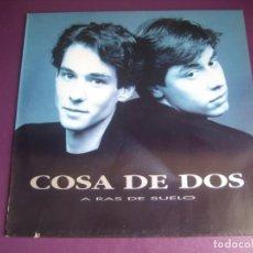 Discos de vinilo: COSA DE DOS – A RAS DE SUELO - LP WEA 1992 - POP MELODICO FANS - 90'S - SIN ESTRENAR. Lote 263755145