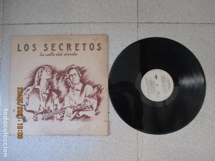 LOS SECRETOS - LA CALLE DEL OLVIDO - SPAIN - PRODUCCIONES TWINS - REF 4T-0570-01 - L - (Música - Discos - LP Vinilo - Grupos Españoles de los 70 y 80)