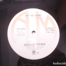 Discos de vinilo: DENNIS BROWN ON THE ROCKS. Lote 263761860