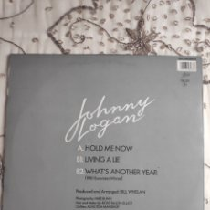Discos de vinilo: VINILO MAXISINGLE - 12 - EUROVISION - JOHNNY LOGAN - HOLD ME NOW + WHAT'S ANOTHER YEAR. Lote 263933285