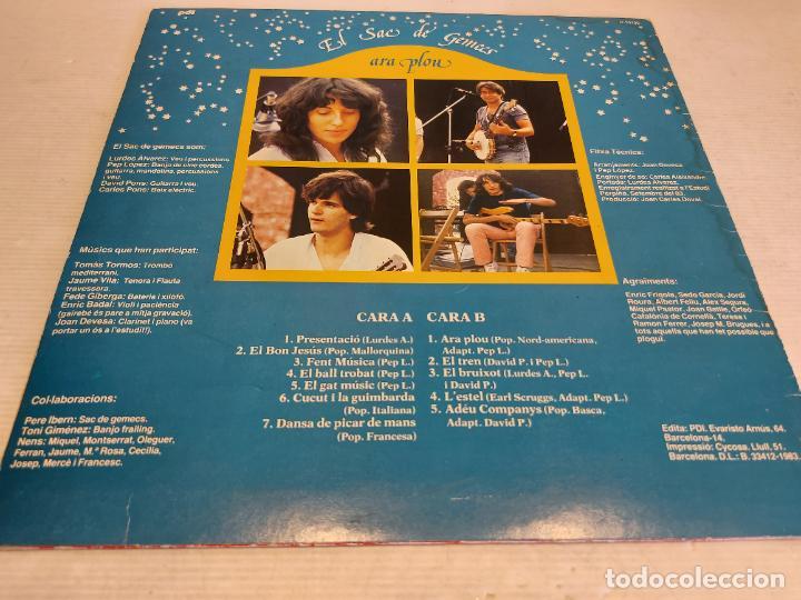 Discos de vinilo: EL SAC DE GEMECS / ARA PLOU / LP - PDI-1983 / MBC. ***/*** LETRAS - Foto 2 - 264061425