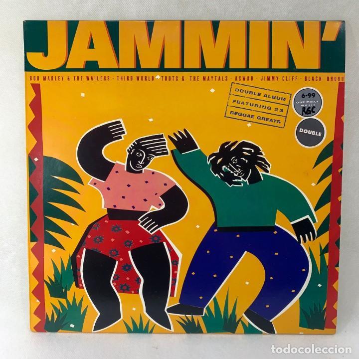 LP - VINILO JAMMIN' - BOB MARLEY / THIRD WORLD / ASWAD / JIMMY CLIFF - DOBLE LP - UK - AÑO 1989 (Música - Discos - LP Vinilo - Reggae - Ska)