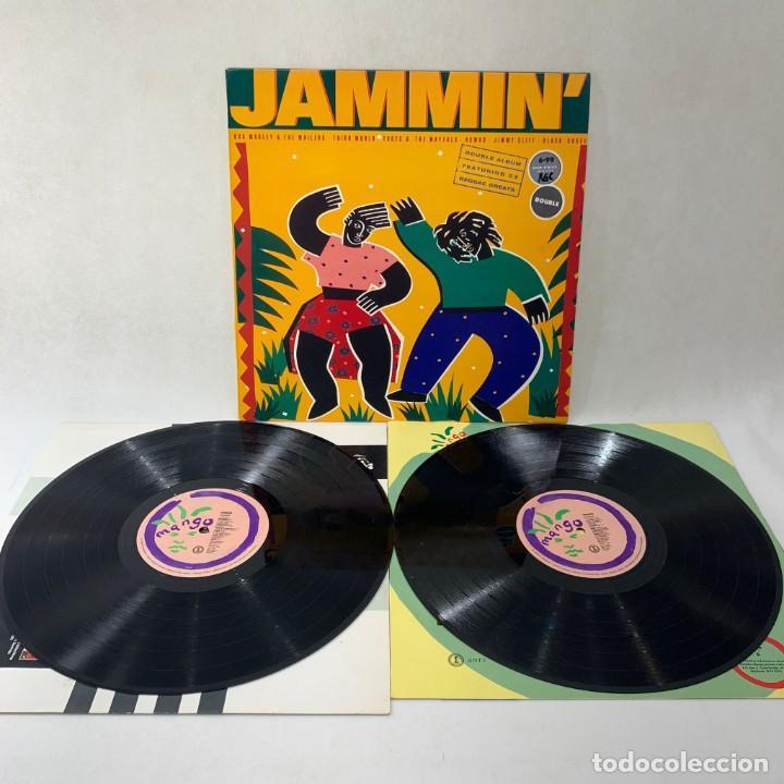 Discos de vinilo: LP - VINILO JAMMIN - BOB MARLEY / THIRD WORLD / ASWAD / JIMMY CLIFF - DOBLE LP - UK - AÑO 1989 - Foto 3 - 264231276