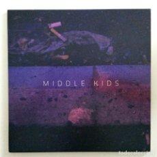 Discos de vinilo: MIDDLE KIDS – EDGE OF TOWN / NEVER START UK,2017. Lote 265796839