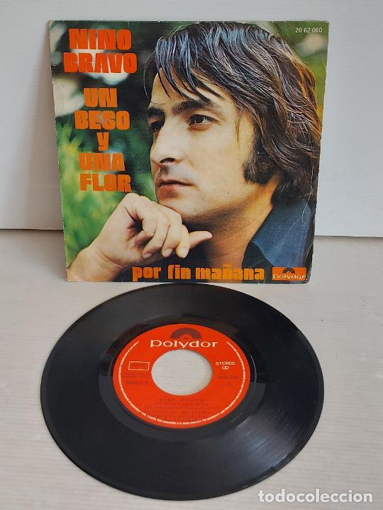 NINO BRAVO / UN BESO Y UNA FLOR / SINGLE - POLYDOR-1972 / VINILO IMPECABLE. ***/**** (Música - Discos - Singles Vinilo - Solistas Españoles de los 70 a la actualidad)
