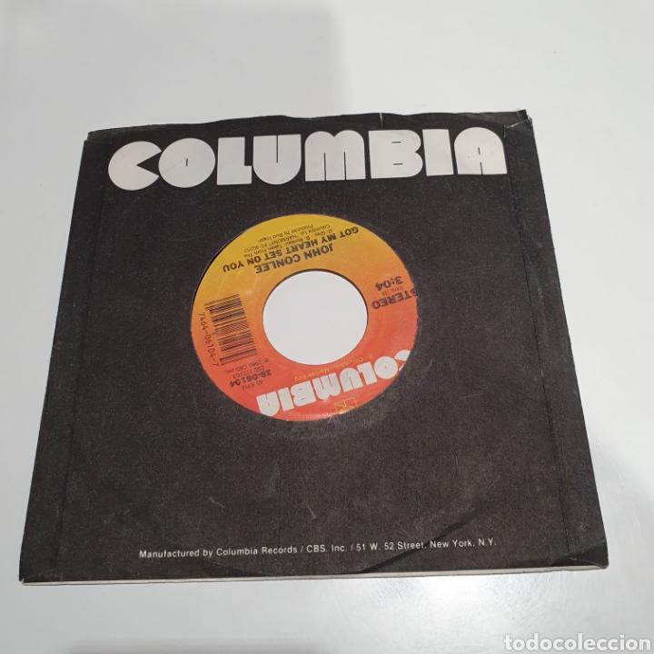 Discos de vinilo: John Conlee - Got My Heart Set On You / YouVe Got A Right, Columbia 1986. - Foto 3 - 266754243
