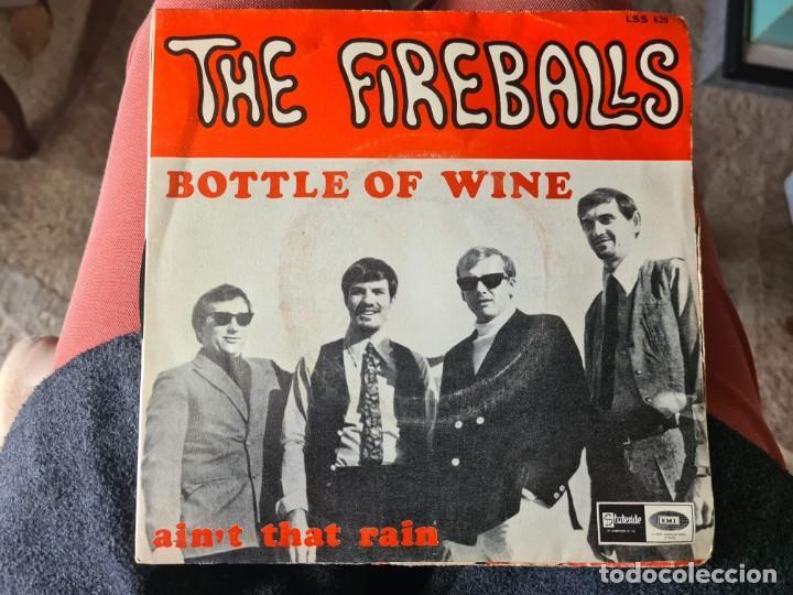 VINILO THE FIREBALLS. BOTTLE OF WINE. AINÞ THAT RAIN (Música - Discos - LP Vinilo - Otros estilos)