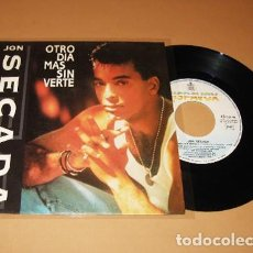 Discos de vinilo: JON SECADA - OTRO DIA MAS SIN VERTE - SINGLE - 1992. Lote 267270594