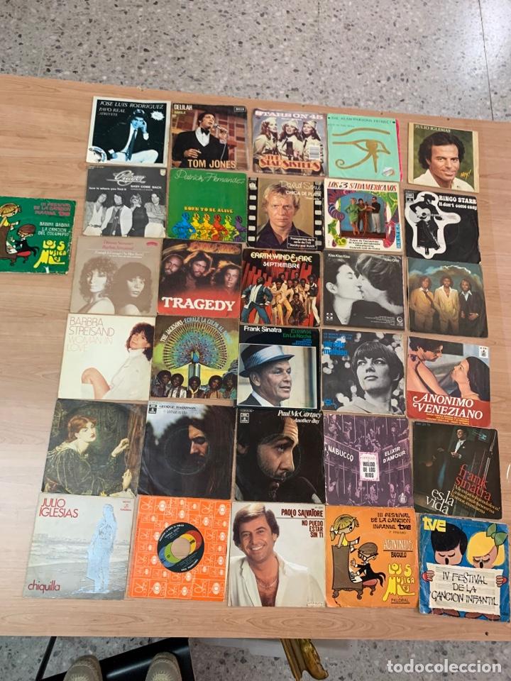 LOTE DE 31 VINILOS SINGLES TEMAS VARIOS (Música - Discos - Singles Vinilo - Cantautores Internacionales)