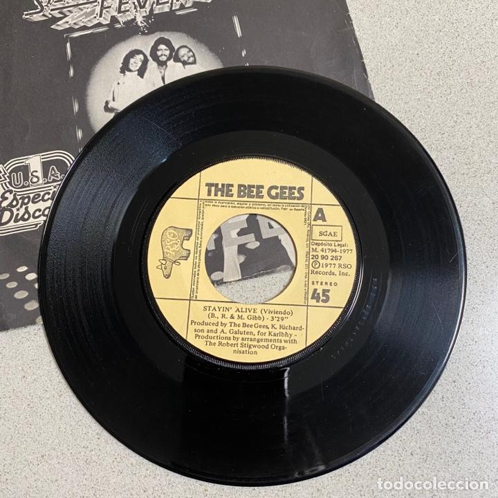 Discos de vinilo: Disco Vinilo 45 r.p.m 'BEEGEES' Saturday Night Fever - Foto 2 - 268718114
