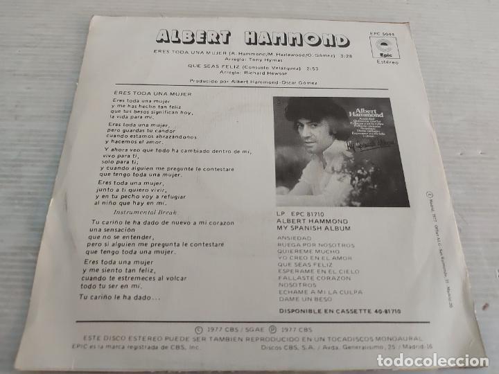 Discos de vinilo: ALBERT HAMMOND / ERES TODA UNA MUJER / SINGLE-EPIC-1977 / MBC. ***/*** - Foto 2 - 268932374