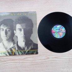 Discos de vinilo: EL ULTIMO DE LA FILA - COMO LA CABEZA AL SOMBRERO LP. Lote 268982324