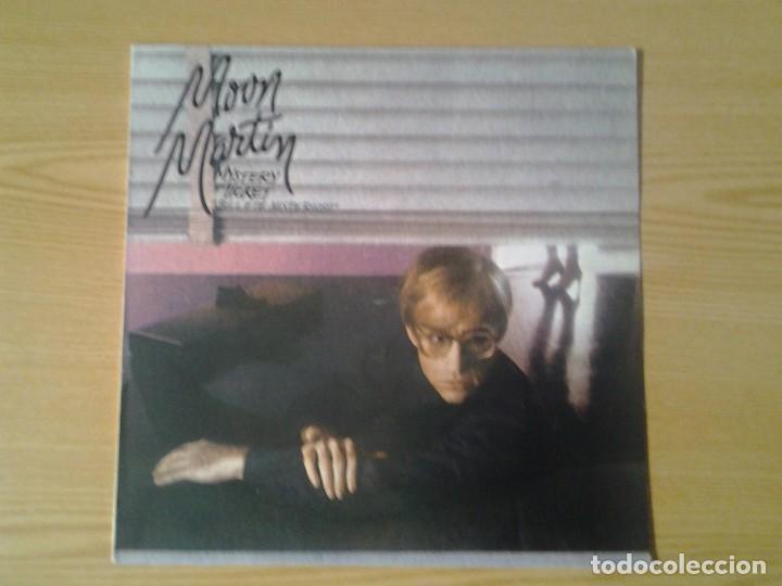 MOON MARTIN - MYSTERY TICKET - LP CAPITOL 1982 ED. ESPAÑOLA MUY 10C 064-400.087 MUY BUENAS CONDICION (Música - Discos - LP Vinilo - Jazz, Jazz-Rock, Blues y R&B)