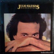 Discos de vinilo: JULIO IGLESIAS // MOMENTOS // PORTADA ABIERTA // 1982 // (VG VG). LP. Lote 269349218