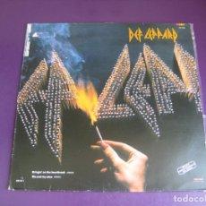 Discos de vinilo: DEF LEPPARD – BRINGIN ON THE HEARTBREAK - MAXISINGLE VERTIGO 1984 - FIRMAS EN VINILO - HEAVY METAL. Lote 269491918