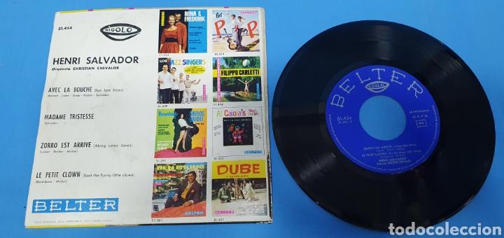 Discos de vinilo: LOTE DE 2 VINILOS DE HENRI SALVADOR - ZORRO EST ARRIVÉ / EL MARCIANO 1964 - Foto 5 - 269638173