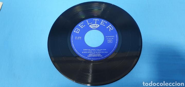 Discos de vinilo: LOTE DE 2 VINILOS DE HENRI SALVADOR - ZORRO EST ARRIVÉ / EL MARCIANO 1964 - Foto 6 - 269638173