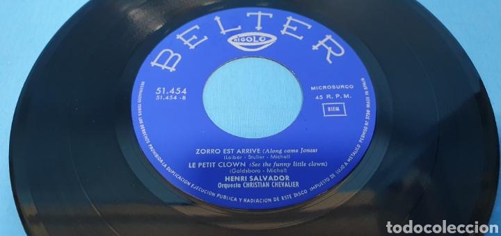Discos de vinilo: LOTE DE 2 VINILOS DE HENRI SALVADOR - ZORRO EST ARRIVÉ / EL MARCIANO 1964 - Foto 7 - 269638173