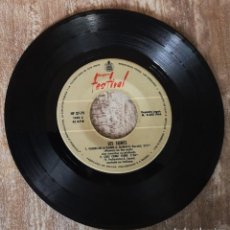 Discos de vinilo: EP LES SURFS - FLORES EN LA PARED - AÑO 1966. Lote 269953358
