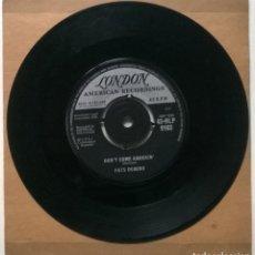Discos de vinilo: FATS DOMINO. WALKING TO NEW ORLEANS/ DON'T COME KNOCKIN'. LONDON, UK 1960 SINGLE. Lote 269980008