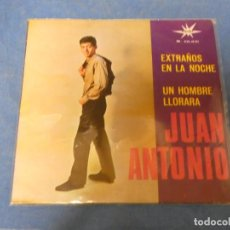 Discos de vinilo: DISCO 7 PULGADAS SINGLE JUAN ANTNIO EXTRAÑOS EN LA NOCHE UN HOMBRE LLORARA. Lote 270344988