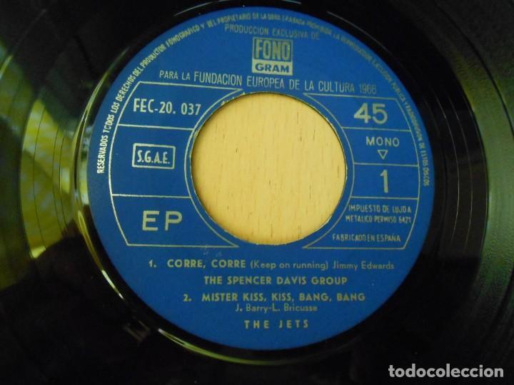 Discos de vinilo: FUNDACION EUROPEA DE LA CULTURA 1966, EP, JOHNNY HALLYDAY - CABELLOS LARGOS + 3, AÑO 1966 - Foto 3 - 270345023